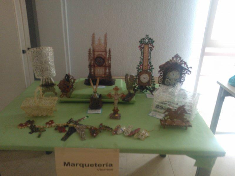 Mesa exposición Marquetería