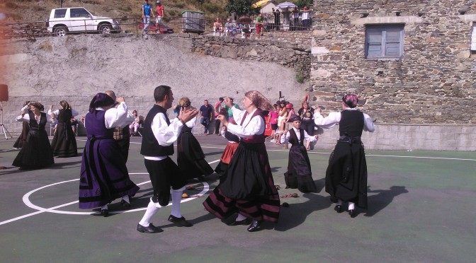 Baile típico lacianiego